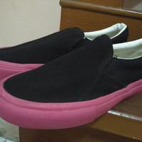 Sepatu Slip On Thanksinsomnia