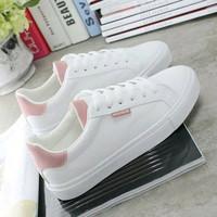 Sepatu Sport Wanita Poxing Kets Sneakers Adidas Putih Ringan Santai