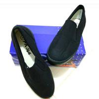 Sepatu kanvas px style 179 hitam