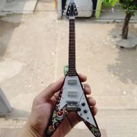 Harga miniatur gitar gibson flying v psychedelic jimi hendrix | Hargalu.com