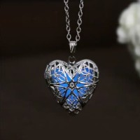 Liontin Hati Fosfor Glow In the Dark Locket Kalung GIft Hadiah Biru