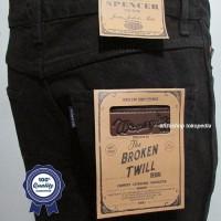 Celana Jeans merk Wrangler Standar/Regular Hitam 27-32 CO