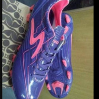 Jual Sepatu Specs Accelerator Viper (ungu) ukuran 42 Nego Tipis