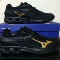 Sepatu volley mizuno V1GA177050 THUNDER BLADE - BLACK GOLD DARK SHADOW a8d6ec1bdf