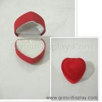 Box Kotak Cincin Love Hati Kecil Lapis Bludru Merah Kotak Tempat