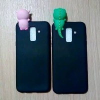 [ FLASH SALE ] Case Samsung J8 2018 New Softcase Plus Boneka Ngintip I