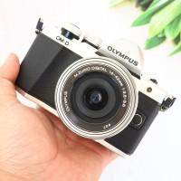 Kamera Mirrorless Olympus OMD EM10 mark ii kit 14 42mm ada Box