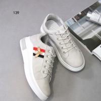 a4d4f2117fd Sepatu Import Sepatu Wanita Fashion Gucci Bee Pearl Sneakers WB 139