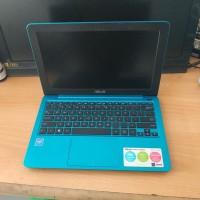 Notebook asus E202s biru
