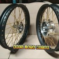 Velg pariasi ring 17 hitam lebar untuk motor Yamaha RX-King