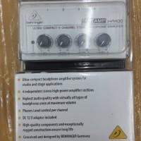 Headphone amplifier/mixer behringer microamp HA400