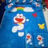 Fullset Karpet Bulu Rasfur Karakter Doraemon Uk. 140x200x4 cm