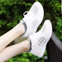 Sepatu Wanita Sepatu Casual US176 Hitam & Putih