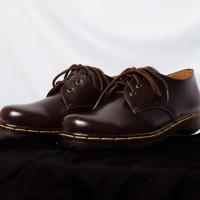 MENARIK Sepatu Low Boots Docmart Dr Martens 3 hole lubang Pendek Kuli 3ebf624b4e