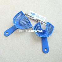 sendok cetak gigi biru . behel . kawat gigi