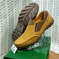 Sepatu Merk Gats Ori Pria Santai Kulit Asli Branded Slip On Tan TO 05