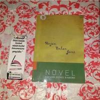 bisnis Novel sejarah) Novel Hujan Bulan Juni Karya Sapardi Djoko