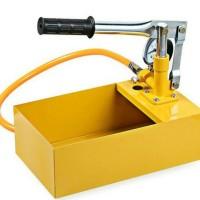 Alat tes tekanan pipa air . Test pump manual