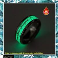 Cincin glow in the dark stainless steel cincin pria wanita
