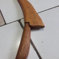 pisau raut bambu