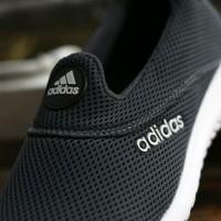 Sepatu Sport Santai Adidas Slop Slip On Abu Tua Tanpa Tali