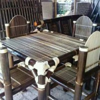 Meja dan kursi makan dari bambu hitam harga 2.500.000