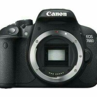 KAMERA CANON EOS 700D BODY ONLY