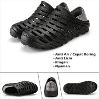 Sepatu Sandal Slipper Pria Evabu Garden Clog Karet Anti Air Berlubang