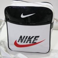 Harga tas slempang nk 0106 putih nike kilap polyester tas pria   Pembandingharga.com