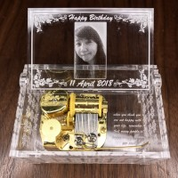 Kotak Musik Acrylic