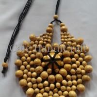 Harga kalung etnik jember kayu kopi model bunga matahari warna | Pembandingharga.com