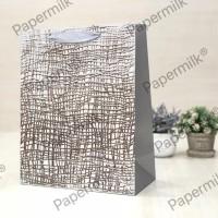 Papermilk, Paperbag Emboss Kawat Ukuran 30 × 40 × 12 CM