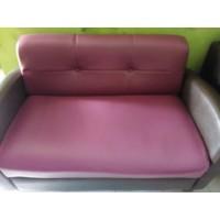 Kursi Sofa dan Meja Cafe Restoran.Bonus Tanaman Palem Plastik