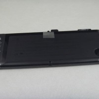 Harga batre original baterai apple macbook pro unibody 15 a1321 a1286   Pembandingharga.com