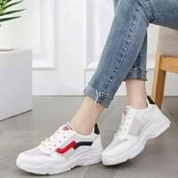 Sepatu Wanita Casual SDS270 Putih List Hitam Merah