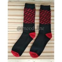 kaos kaki motif batik merah