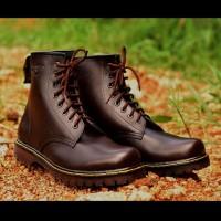 Terbaru Sepatu Boots Murah Docmart Dr Martens pria 8 lubang   hole - 6e1c8d8c49