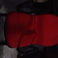 Kursi kantor hadap merah murah