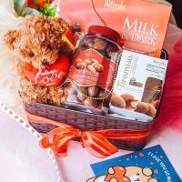 Hadiah Valentine Parsel Coklat dan Boneka