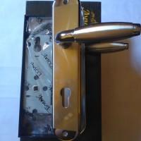 1 Set Kunci Pintu Besar Avicci / Door Lock / C8003