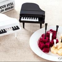 Set Tusuk Buah Bentuk PIANO ( 1 set isi 9 tusuk buah + 1 wadah) HPD204