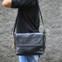 Tas Selempang Kulit Emilo Black - Kenes Leather
