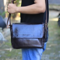 Tas Selempang Kulit Emilo Dakr Brown - Kenes Leather