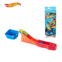 Hot Wheels Classic Stunt Set 4 - Mainan Trek Mobil Balap