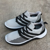 BIG SALE ! sepatu adidas questar flow x solarglide diskon 50% murah