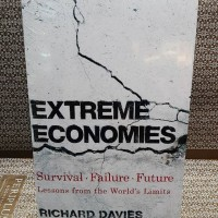 Extreme Economies : Survival, Failure, Future - Lessons from the World