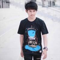 Baju Kaos Tshirt Pria Cowok Keren Terbaru Warna Hitam Hour Glass FRG