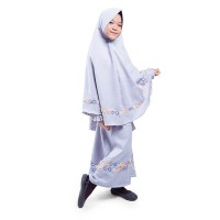 BAJUYULI - Gamis Anak Prempuan Jilbab Syar'i Renda Moscrepe Abu NSAA01