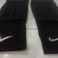 TERBARU Legsleeve Pad Nike / Legpad / Knee pad Nike / Pelindung Lutut