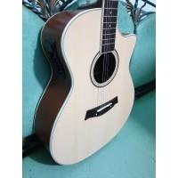 Gitar Akustik Elektrik Merk Taylor Natural EQ 7545